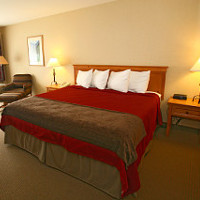 Deluxe guest rooms and suites